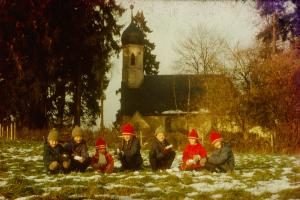 Pater Florian als Kind mit seinen Geschwistern
