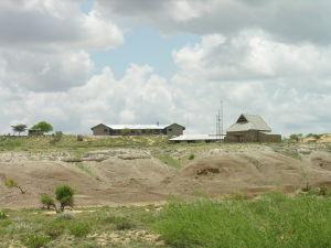 Links das Klostergebäude und rechts die Kirche
